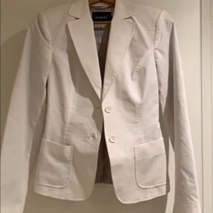 White blazer. Size 4. Never worn. Cotton